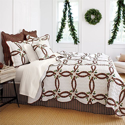 Brylanehome-Holly-Christmas-Quilt-Set-0-0