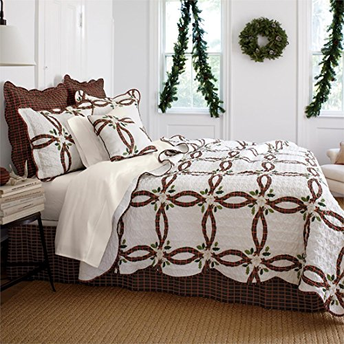 Brylanehome-Holly-Christmas-Quilt-Set-0