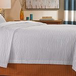 Courtyard-by-Marriott-Hotel-Rippled-Coverlet-0-1