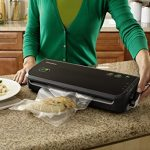 FoodSaver-FM2000-000-Vacuum-Sealing-System-with-Starter-BagRoll-Set-0-0