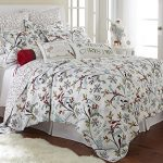 Holly-Quilt-Set-WhiteRed-Cotton-Christmas-Holiday-0