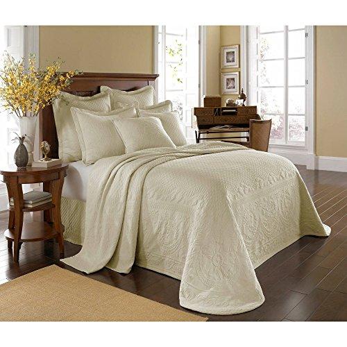 King-Charles-Matelasse-King-Bedspread-0