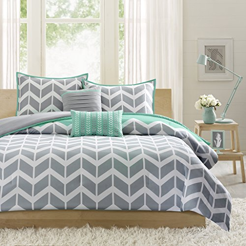 Nadia-Comforter-Set-0-0