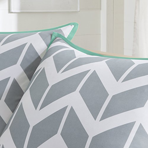 Nadia-Comforter-Set-0-1