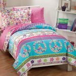 Peace-Signs-Multicolor-Girls-Comforter-Set-0