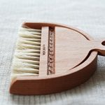 Desktop-Table-Dustpan-and-Brush-Set-By-Iris-Hantverk-0-0